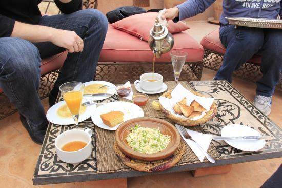 Riad les Inseparables: Breakfast and tea