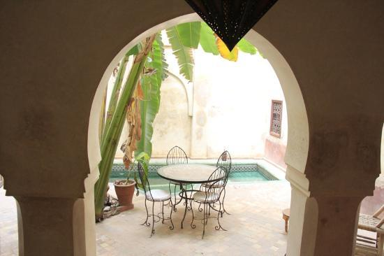 Riad les Inseparables: The pool is a work of art