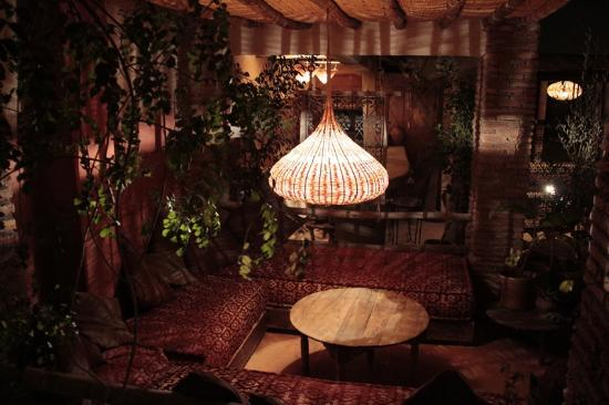 Riad les Inseparables: Beautiful undercover rooftop sitting area