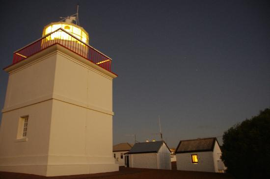 Cape Borda Lighthouse Keepers Heritage Accommodation: Woodward Hut and Cape Borda Lighthouse