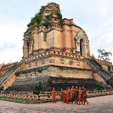 Thai Kingdom - Day Tours: Wat Chedi Luang