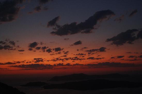 Polydefkis Apartments: tramonto sulla Caldera
