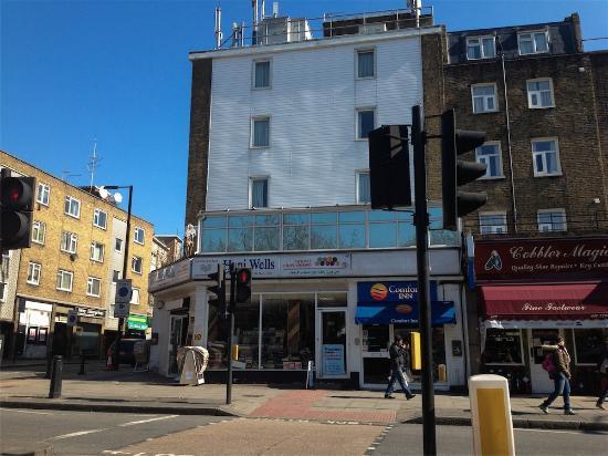 Comfort Inn London - Edgware Road: La fachada blanca del hotel