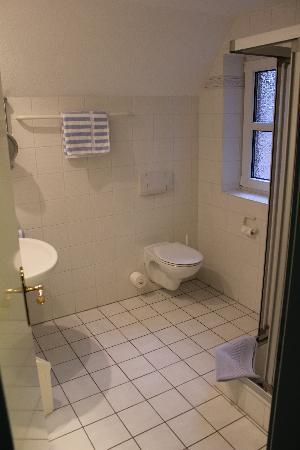 Graf Bentinck: Blick ins Badezimmer