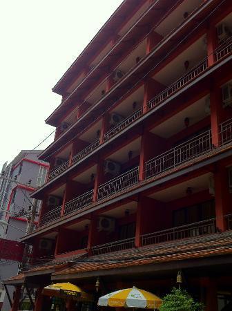 โรงแรมสิราลานนา ภูเก็ต: hotel outlook