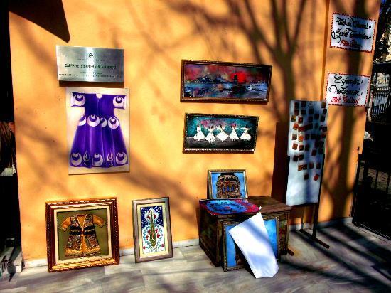 Caferaga Medresesi: Outside the shop