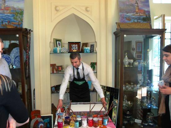 Caferaga Medresesi: Coşkun creating the Ebru