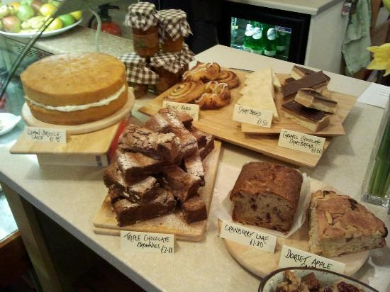 The Cloisters Restaurant: Cake smorgasbord