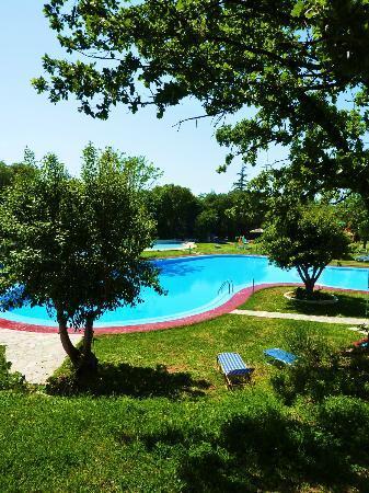 Sun Village: Pool at next door hotel