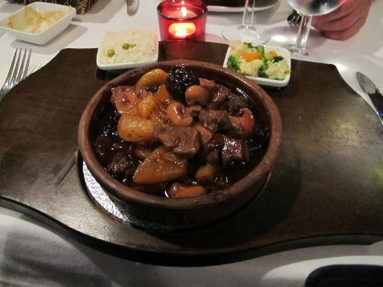 Mosaic Restaurant: kebap con orejones y ciruelas