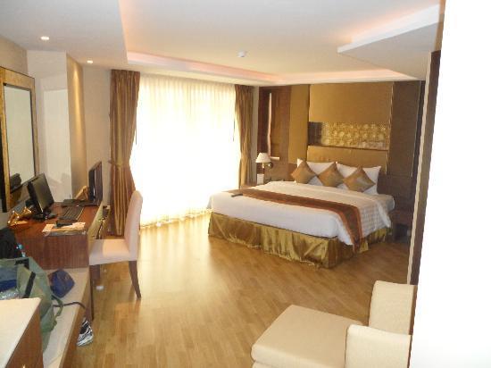 โรงแรมโนวา โกลด์: Nice