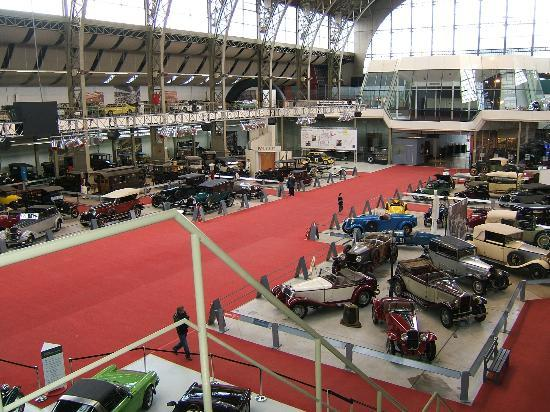 Autoworld : Photo from virtually the back of the museum and upstairs