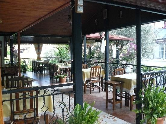 Akay Pension: The dining area