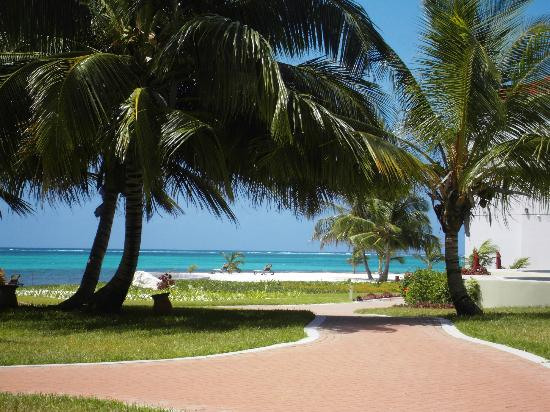 Grand Caribe Belize Resort and Condominiums: Resort/Beach