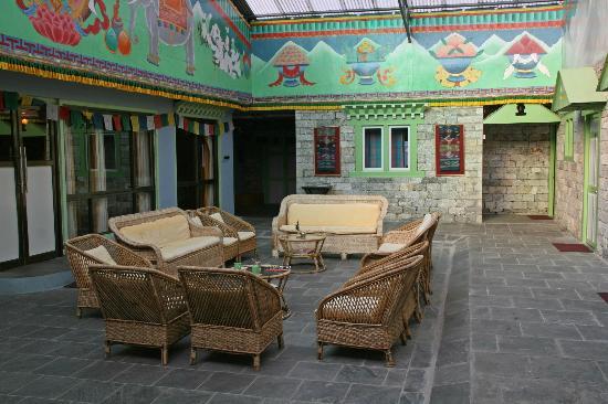 Yeti Mountain Home Thame: Der Innenhof