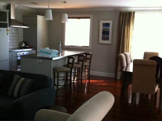 Russell Cottages: Kitchen and dining on the right