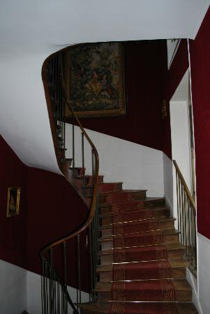Château de Champvallins : One of the winding staircases