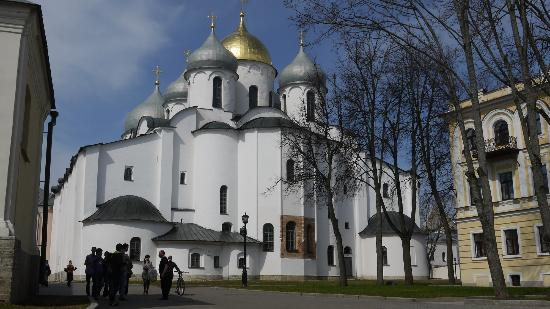 parallel 60 : St. Sophia, 11th century cathedral, Novgorad