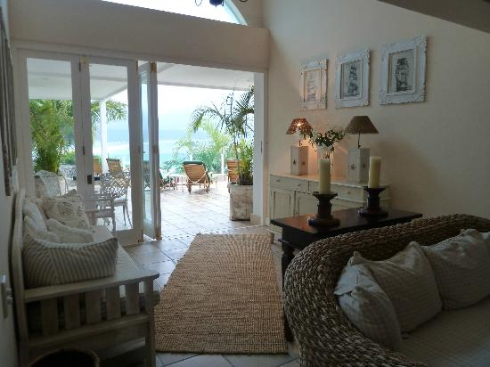 Ocean Watch Guest House: Upstairs lounge