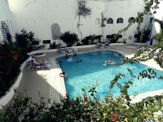 Hotel Les Quatre Saisons: Piscine chauffé