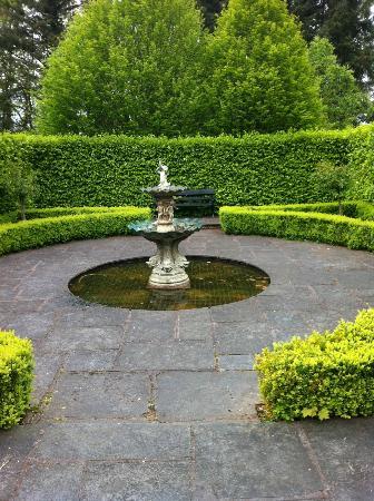 Maryborough Hotel & Spa: fountain
