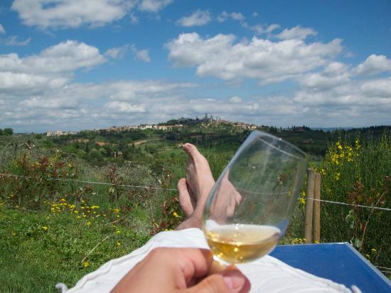 Agriturismo Il Casolare di Bucciano: View from pool