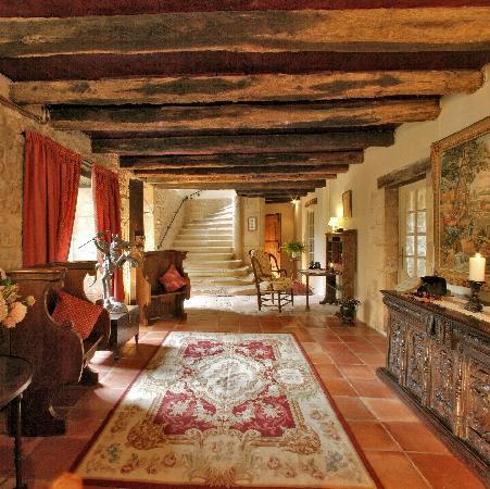 Le Prieure du Chateau de Biron : Foyer