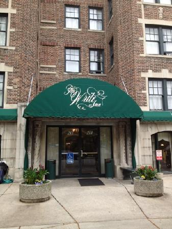 Write Inn: Great location and restaurant