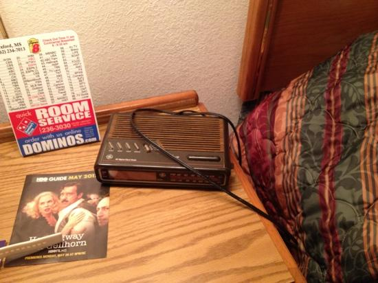 Super 8 Oxford: old alarm clock that wasn't even plugged in when we got there
