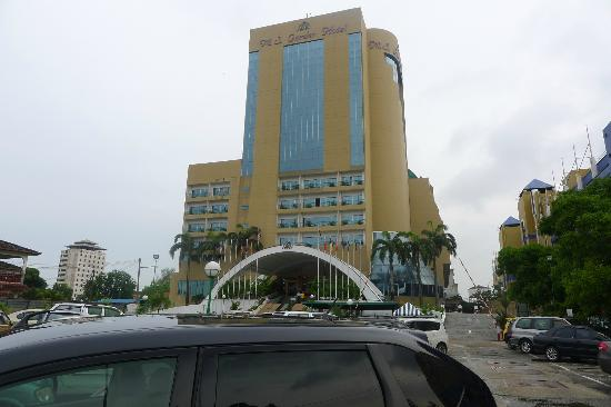 Grand DarulMakmur Hotel Kuantan: MS Garden Hotel