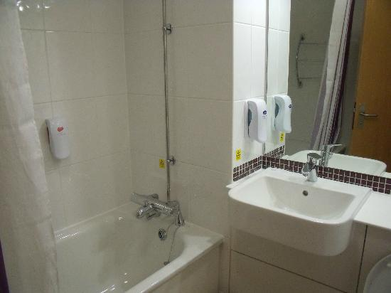 Premier Inn Blackpool (Bispham) Hotel : Bathroom