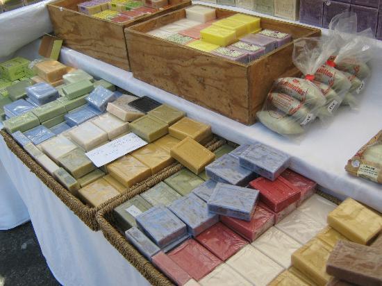 Marché du mercredi matin : soap in 97 flavours