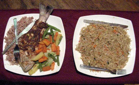 Dinu's Resort: Mamas cooking. Yummy!