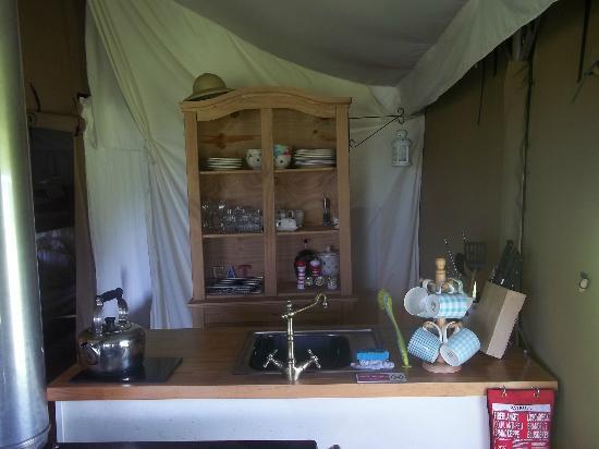 The Hideaway - Wild Luxury: Kitchen.