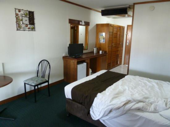 Elkira Court Motel: Our room