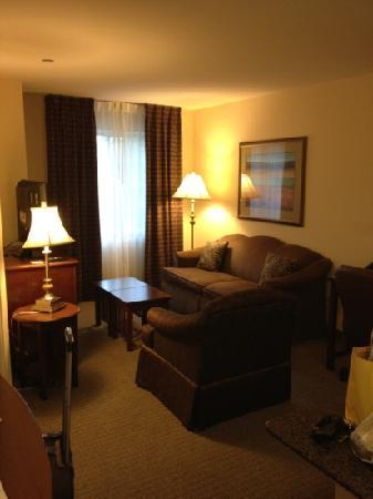 Staybridge Suites Royersford-Valley Forge: living room area