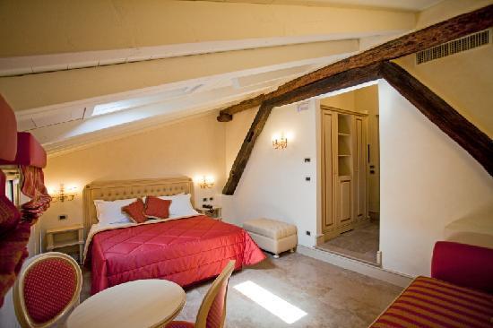 Hotel Cavour: camera deluxe