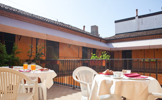 breakfast on terrace picture of hotel cavour bologna