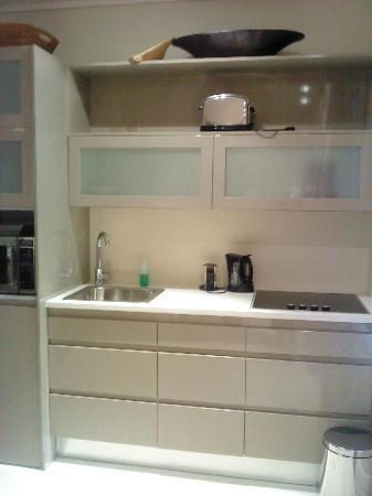 aha The Rex Hotel: Kitchenette