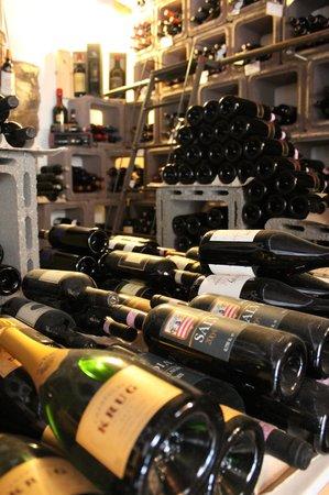 Le Logge del Vignola : Cantina
