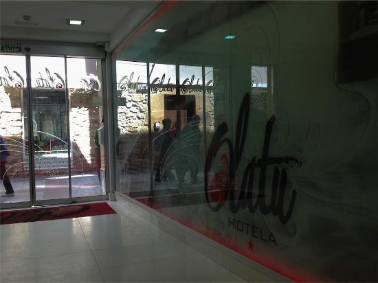 Hotel Olatu: Hall y recepción