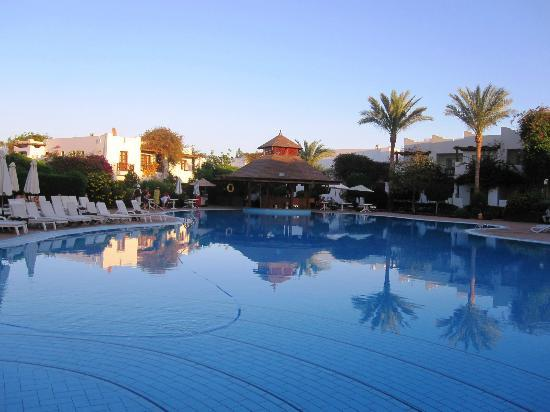 Mexicana Sharm Resort : sunset at the main pool