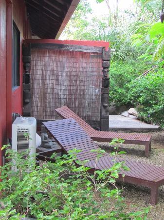 Mai Tai Resort: Private Garden Area