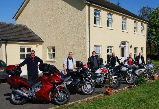 Clearwater House B&B : A very pleased group of guys.