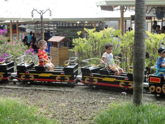 Pueblo Antiguo: Kiddie ride