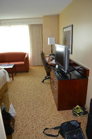 Marriott Downtown at CF Toronto Eaton Centre: room 1007