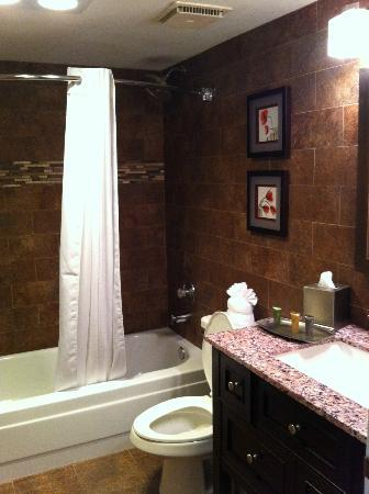 Best Western InnSuites Yuma Mall Hotel & Suites: bathroom