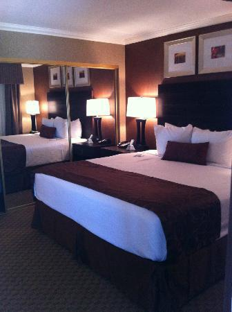 Best Western InnSuites Yuma Mall Hotel & Suites: bedroom