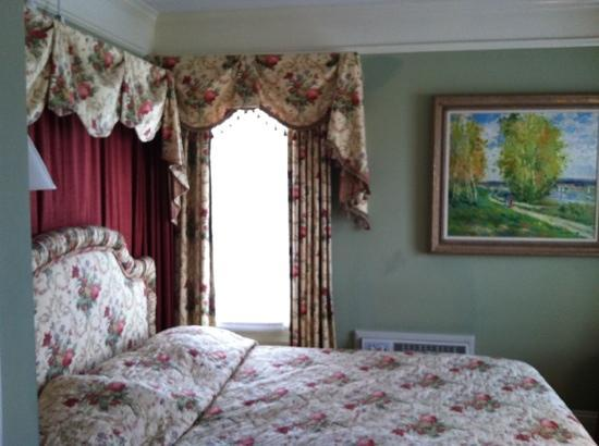 Bay View of Mackinac Bed & Breakfast : Room 208