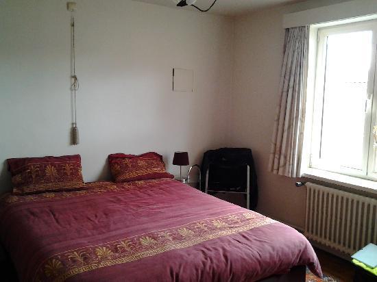 Basic Bedroom basic bedroom - picture of casa luna, bruges - tripadvisor
